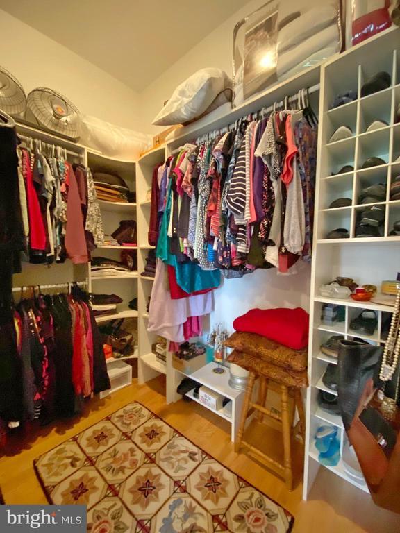 Her main level master walk-in closet - 40319 CHARLES TOWN PIKE, HAMILTON