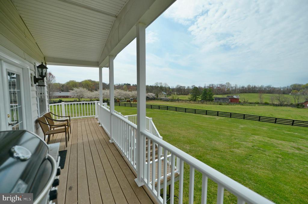 Covered deck from sun room - 40319 CHARLES TOWN PIKE, HAMILTON
