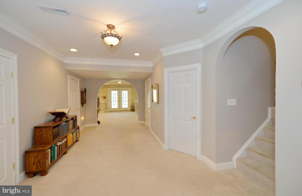 This lower level is perfect for your in-laws - 40319 CHARLES TOWN PIKE, HAMILTON