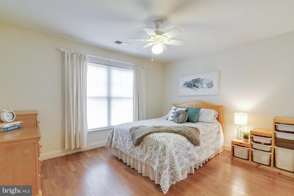 3rd Bedroom - 6125 OLENDER PARK CT, MANASSAS