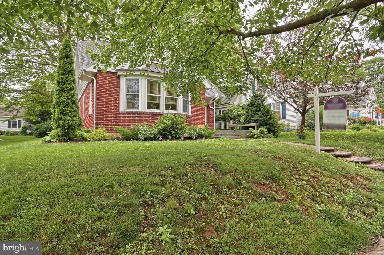 Single Family Homes για την Πώληση στο 134 MAPLE Avenue Hershey, Πενσιλβανια 17033 Ηνωμένες Πολιτείες