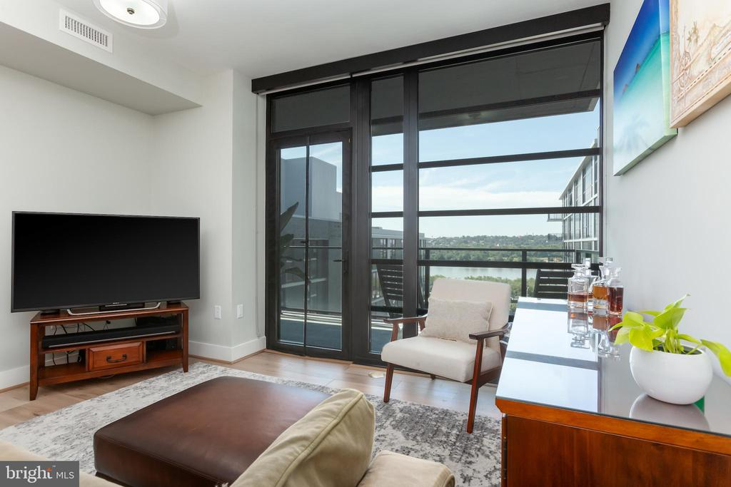 Living room with beautiful views & private balcony - 1300 4TH ST SE #808, WASHINGTON