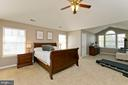 Enormous master bedroom - 770 CRUSHED APPLE DR, MARTINSBURG