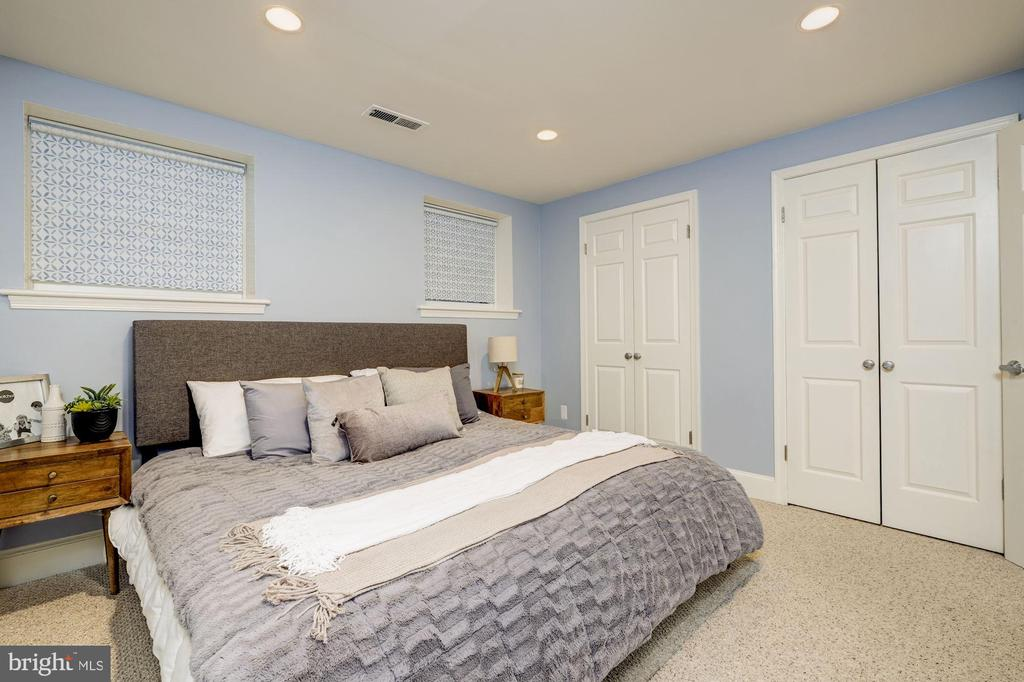Bedroom #1 with double closets - 1813 16TH ST NW #1B, WASHINGTON