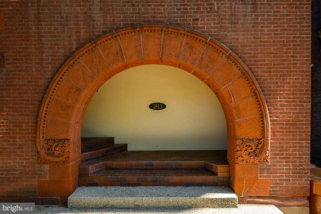 Covered Arch entry - 1813 16TH ST NW #1B, WASHINGTON