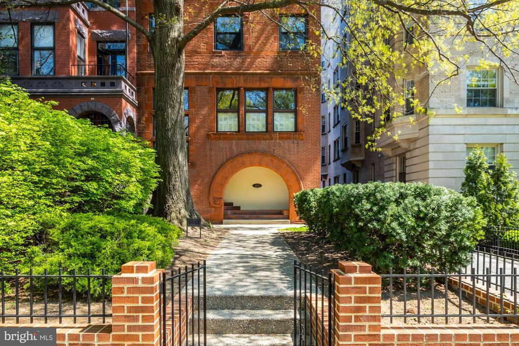 The 1813, A Condominium - 1813 16TH ST NW #1B, WASHINGTON