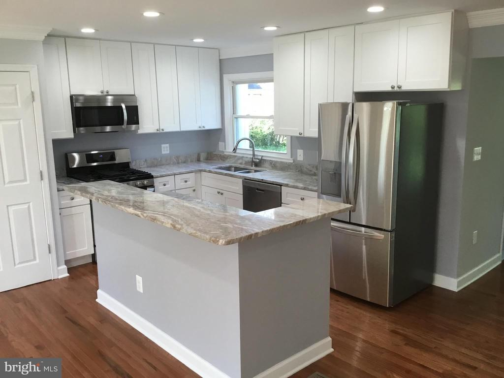 Granite countertops - 652 ALABAMA DR, HERNDON