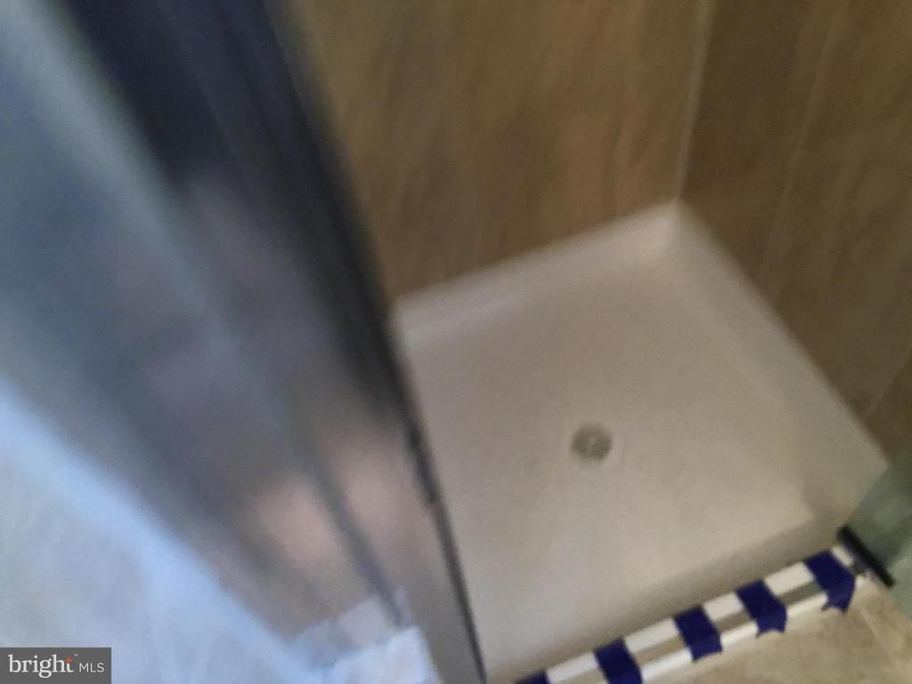 Basement Bathroom shower - 652 ALABAMA DR, HERNDON