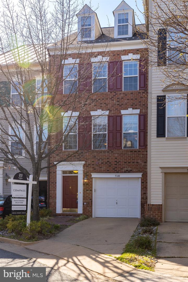 Property のために 賃貸 アット 5140 DONOVAN Drive Alexandria, バージニア 22304 アメリカ