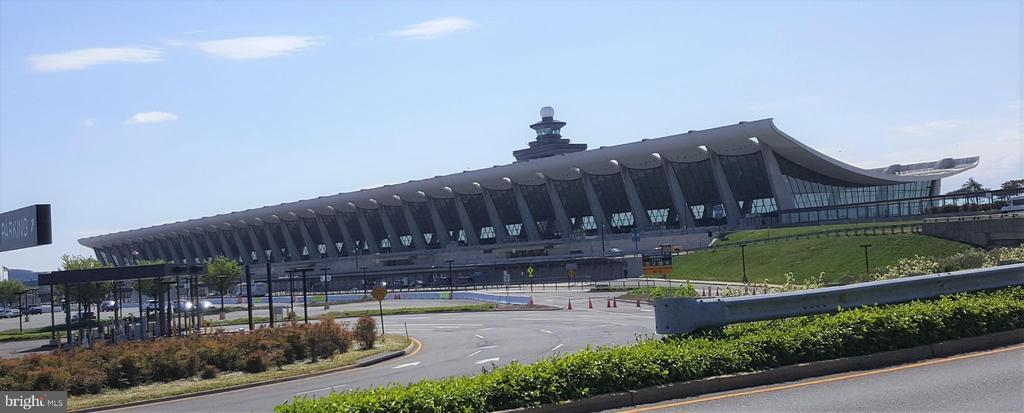Dulles Airport - 301 N ALDER AVE, STERLING