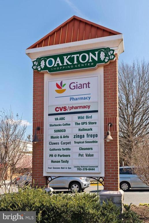 Grocery Store, restaurants and more nearby - 3031 BORGE ST #205, OAKTON