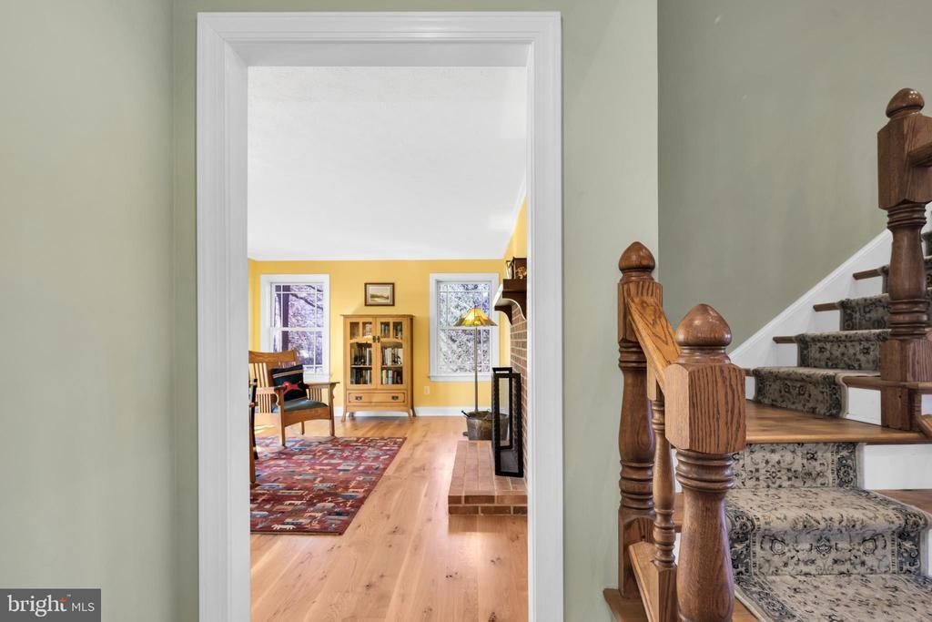 Parlor or family room - 34332 BRIDGESTONE LN, BLUEMONT