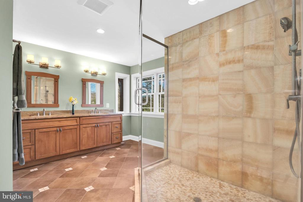 Radiant heated tile floors - 34332 BRIDGESTONE LN, BLUEMONT