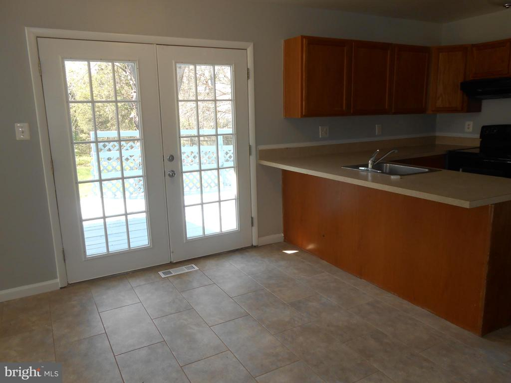 Breakfast Room - French Doors to Deck - 7702 BRANDON WAY, MANASSAS