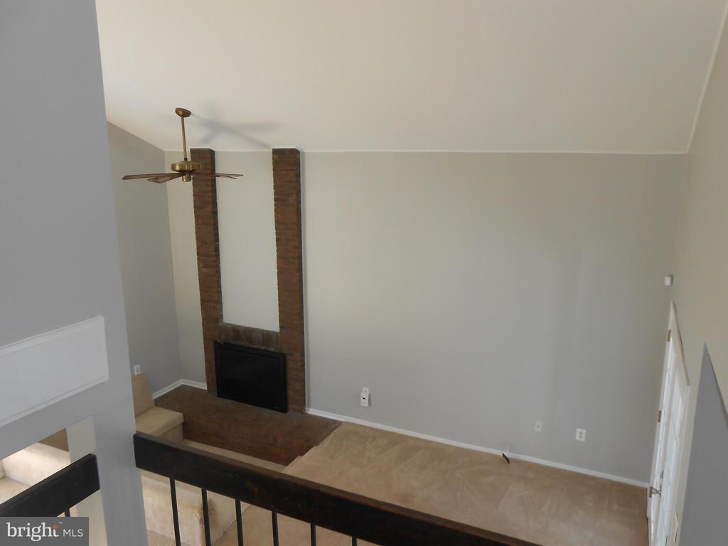 View From Stairs - Vaulted Ceiling - 7702 BRANDON WAY, MANASSAS