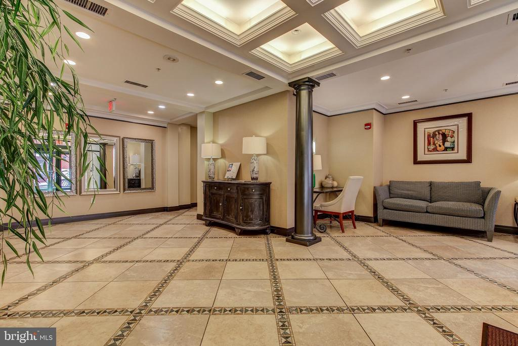 Lobby Entrance - 1205 N GARFIELD ST #804, ARLINGTON