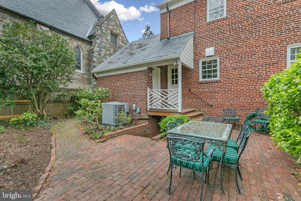 Bricked patio behind kitchen - 7007 CONNECTICUT AVE, CHEVY CHASE