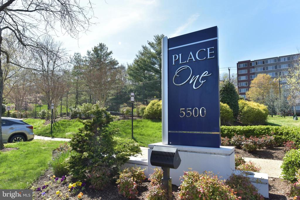 Convenient commuting from inside the Beltway - 5500 HOLMES RUN PKWY #1210, ALEXANDRIA