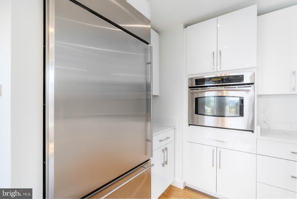 Kitchen - 675 E ST NW #900, WASHINGTON