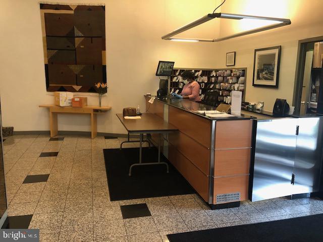 Lobby Desk - 1711 MASSACHUSETTS AVE NW #803, WASHINGTON