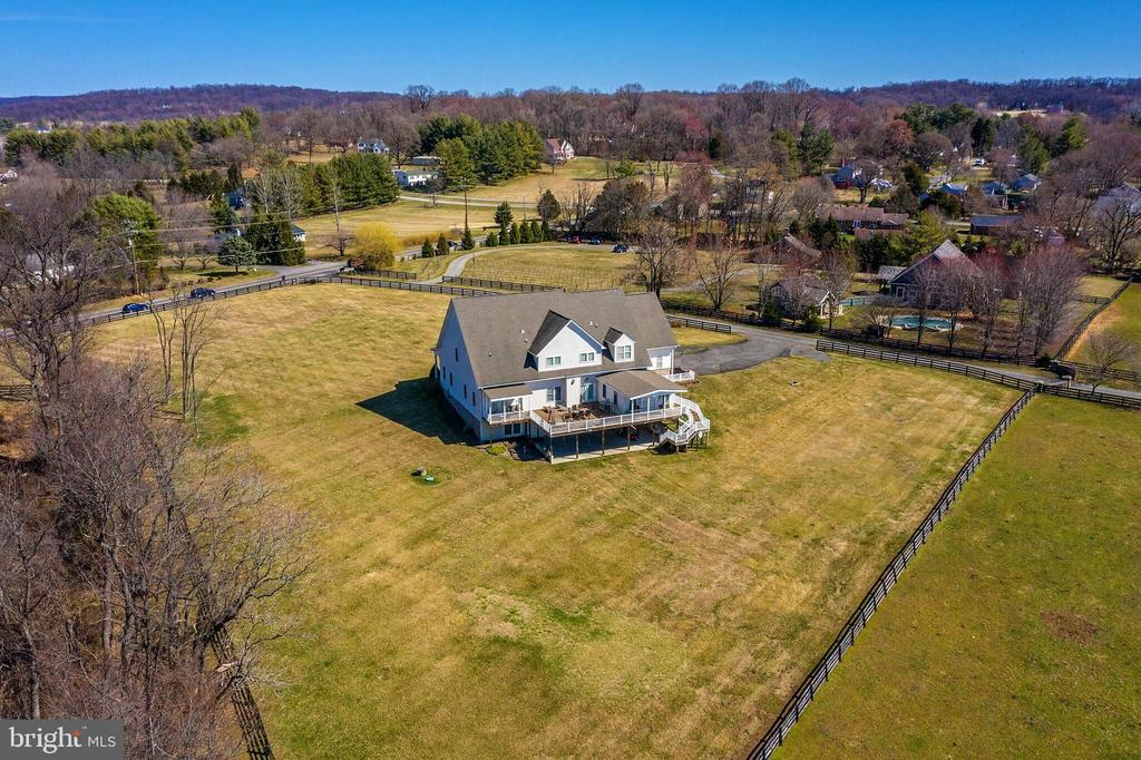 Gorgeous views from every direction! - 40319 CHARLES TOWN PIKE, HAMILTON