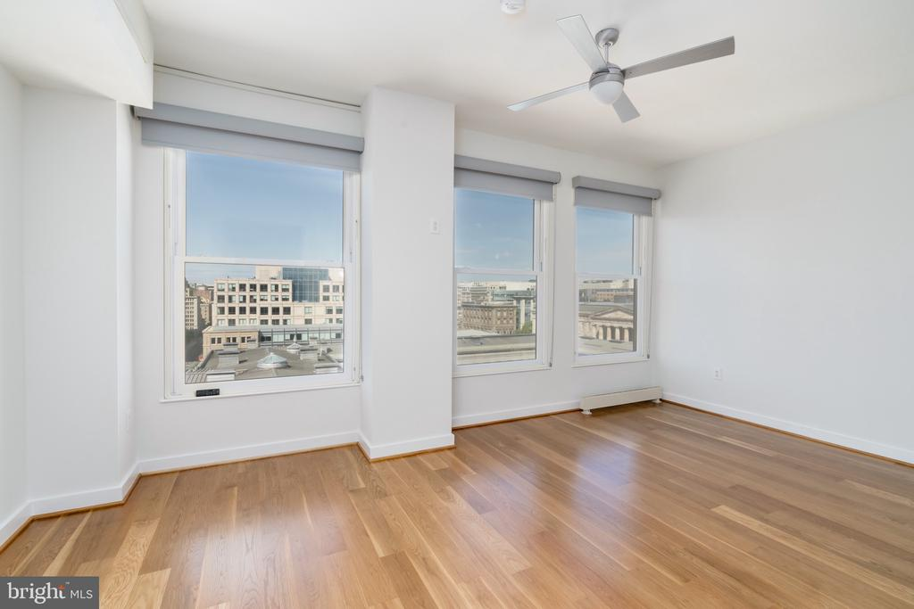 Master bedroom, west-facing - 675 E ST NW #900, WASHINGTON