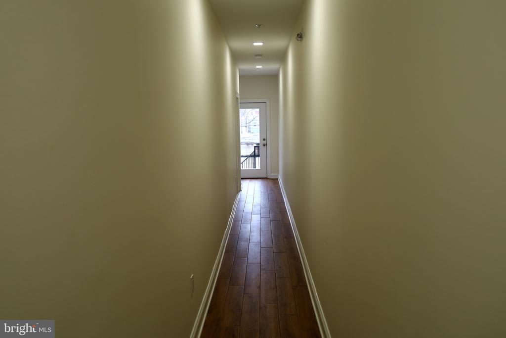Common Hallway - 1167 MORSE ST NE #2, WASHINGTON