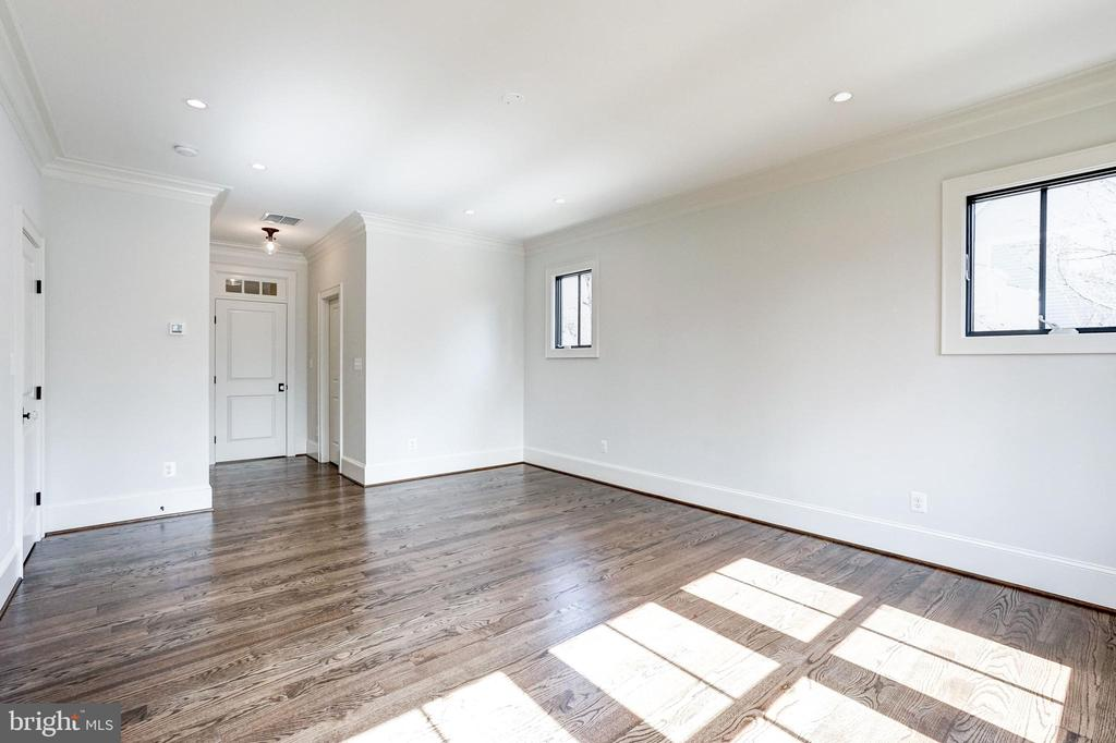double walk in closets at master BR entry - 4856 33RD RD N, ARLINGTON