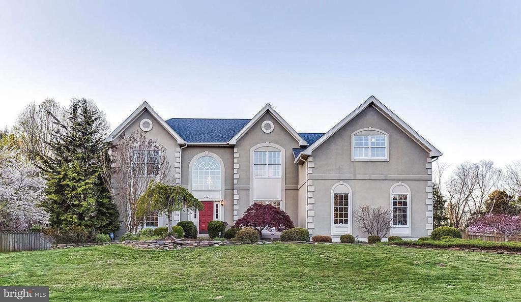 Handsome home is set back from the road - 10892 HUNTER GATE WAY, RESTON