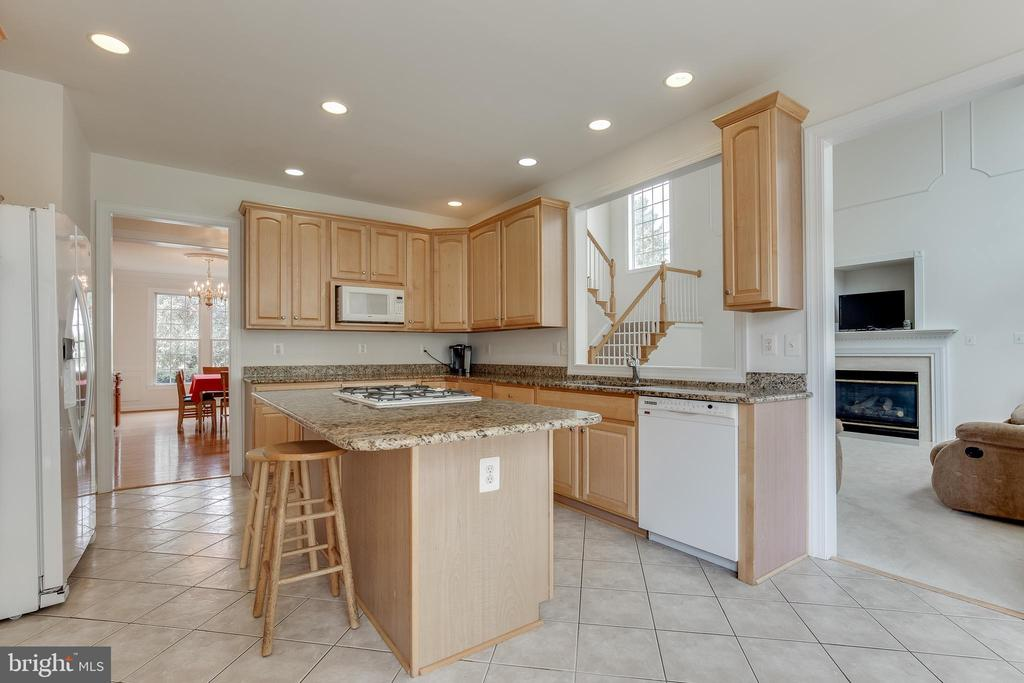 Lots of cabinets in this large kitchen - 1210 MARSEILLE LN, WOODBRIDGE