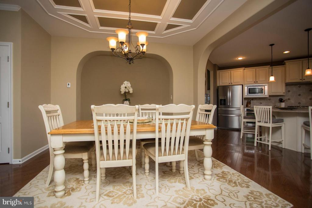 Dining area detail - 26 WAGONEERS LN, STAFFORD