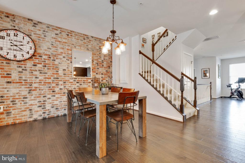 Breakfast Room with Beautiful Brick Accent Wall - 455 KORNBLAU TER SE, LEESBURG