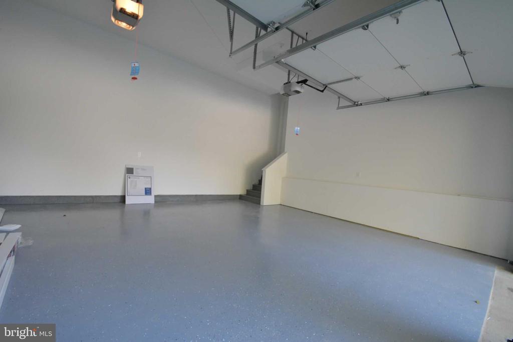 Garage - 4519 DOLPHIN LN, ALEXANDRIA