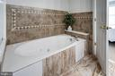 Master bath w/ separate shower & soaking tub - 7506 SHIRLEY HUNTER WAY, ALEXANDRIA