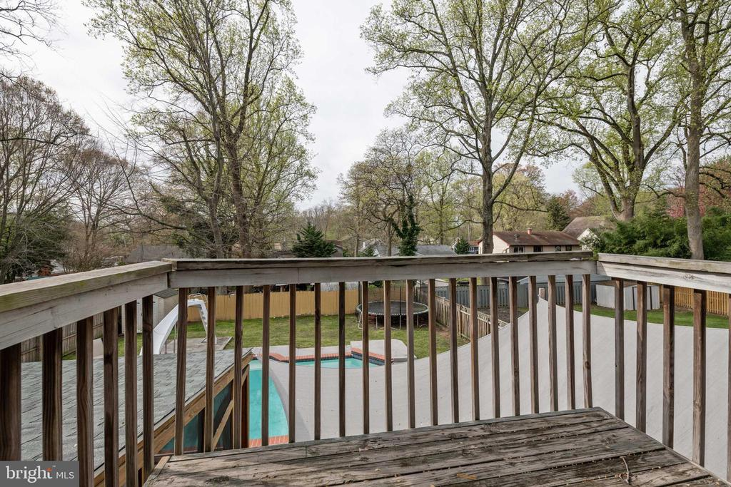 Deck off Master Bedroom-Enjoy AM Coffee or PM Wine - 1015 MAGOTHY PARK LN, ANNAPOLIS