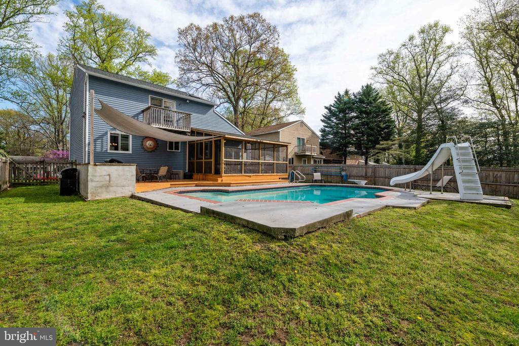 Large Backyard with pool! - 1015 MAGOTHY PARK LN, ANNAPOLIS