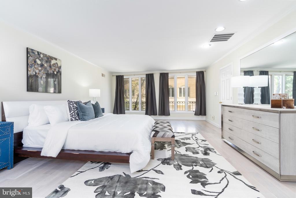 Master bedroom - 4522 FOXHALL CRES NW, WASHINGTON