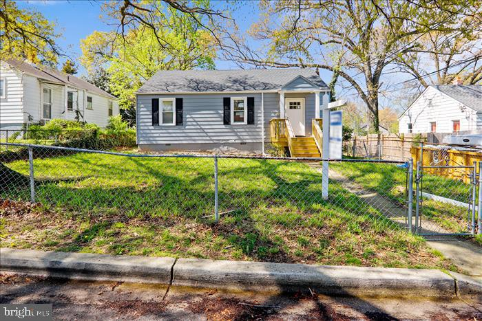 - 14 WHIST PL, CAPITOL HEIGHTS