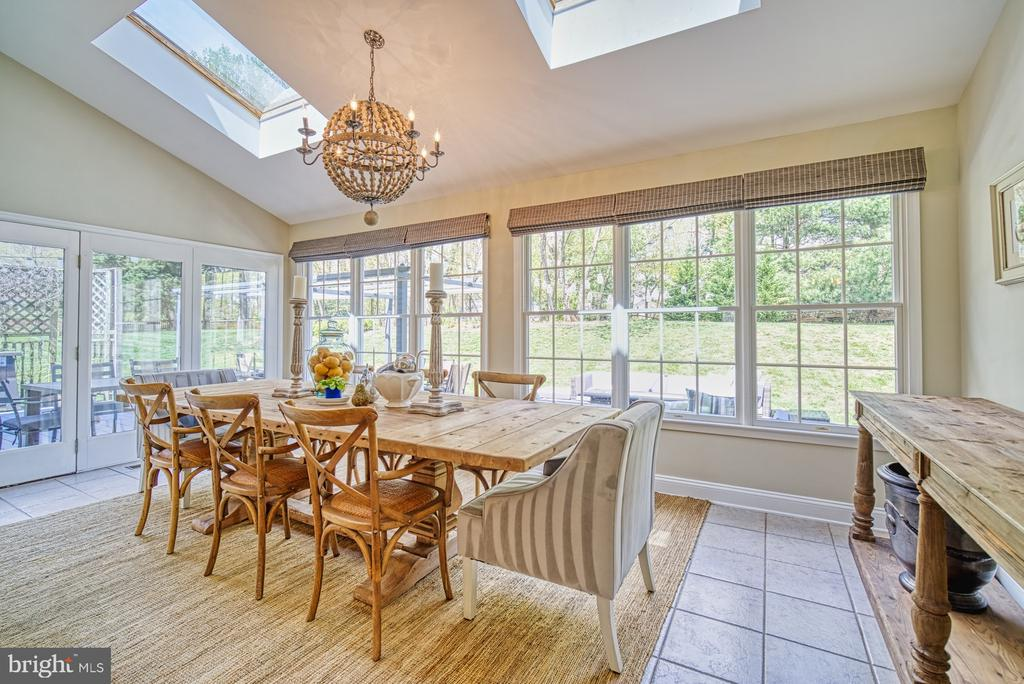SUNROOM ADDITION OPENS TO DECK - 10896 HUNTER GATE WAY, RESTON