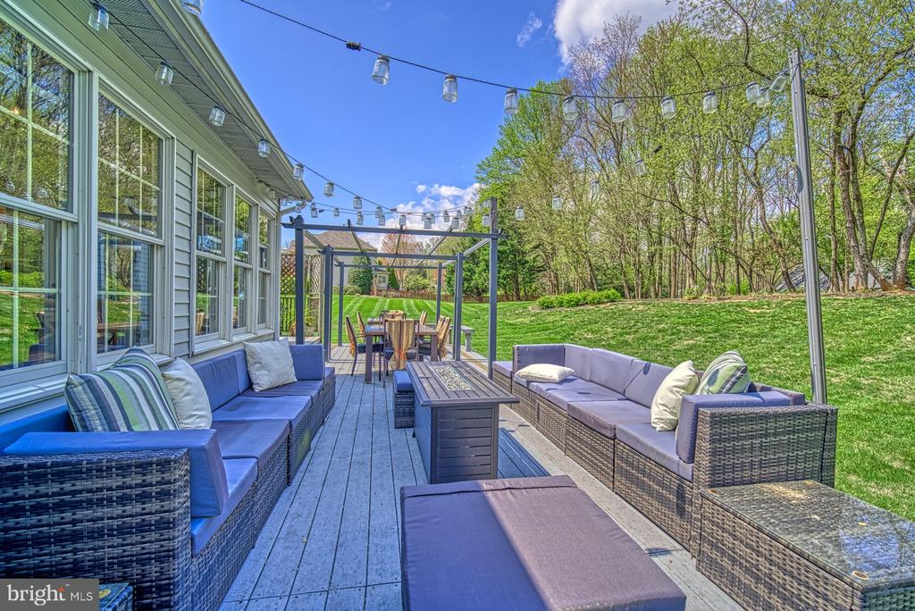 - 10896 HUNTER GATE WAY, RESTON