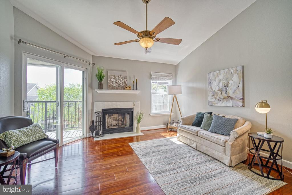 One of the largest one-bedroom models - 3315 WYNDHAM CIR #4226, ALEXANDRIA