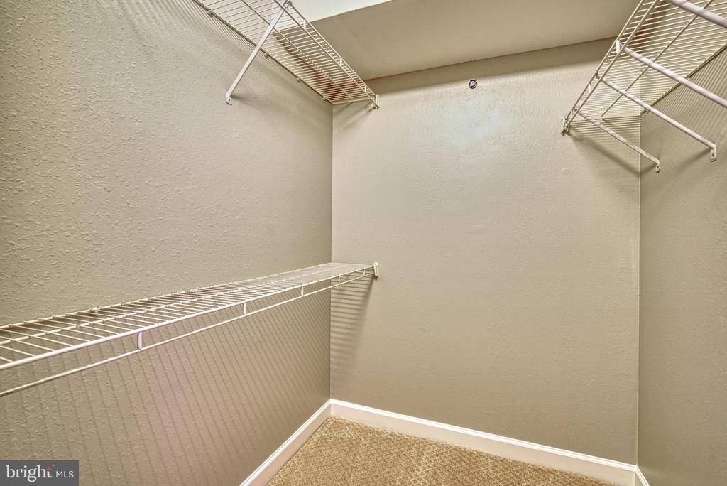 Large walk-in closet. - 3315 WYNDHAM CIR #4226, ALEXANDRIA