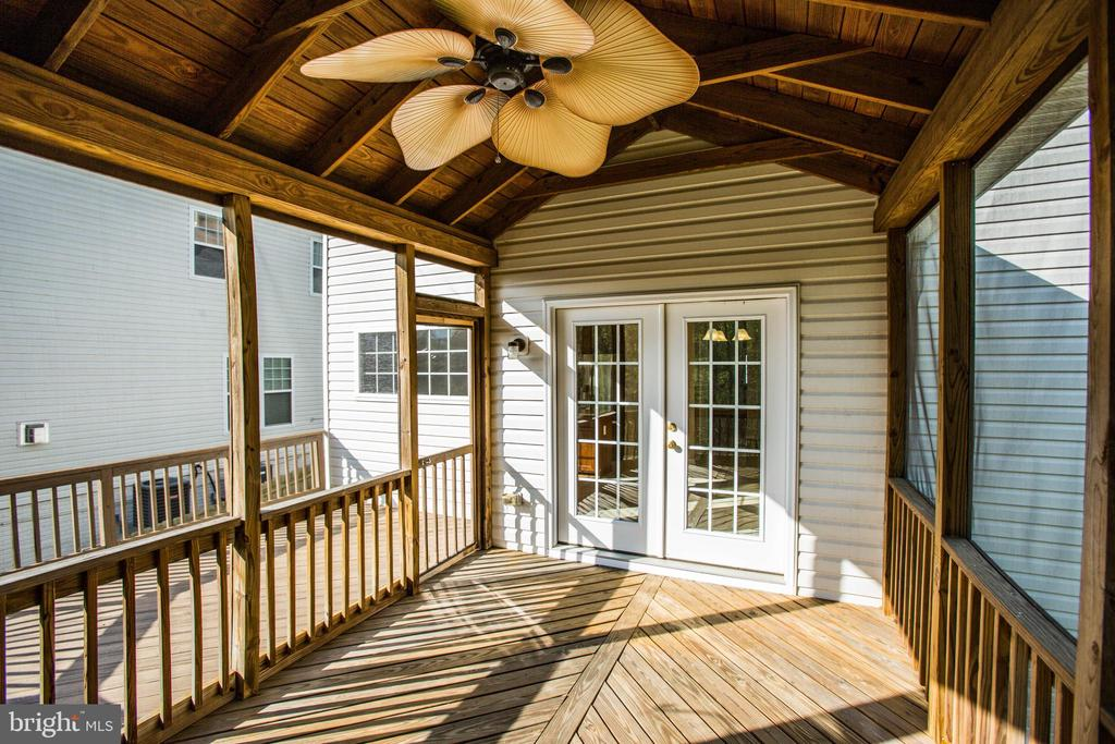 French doors to a screened-in porch (13x10) - 46 WILTSHIRE DR, STAFFORD