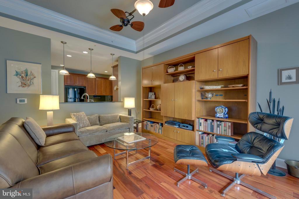 Living Room features trey ceiling & hardwood floor - 1915 TOWNE CENTRE BLVD #410, ANNAPOLIS
