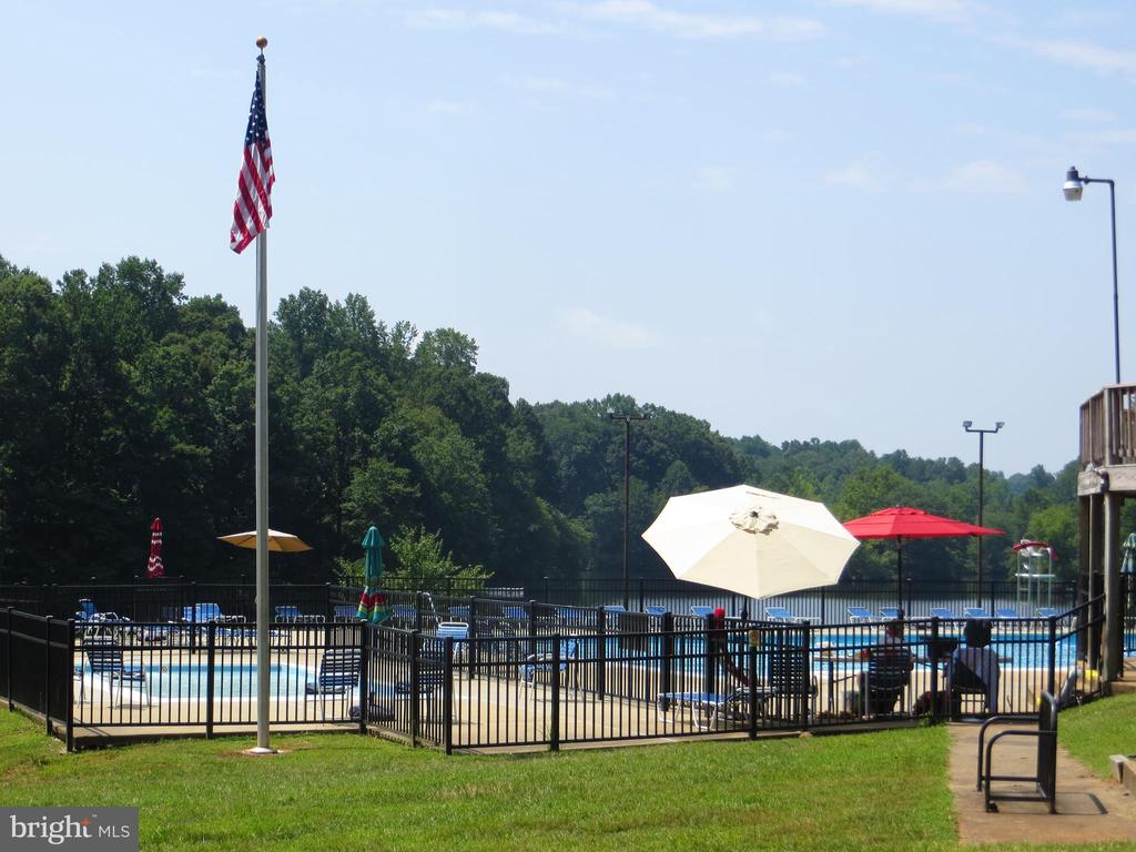 Adult & Tot Pools - 11709 WILDERNESS PARK DR, SPOTSYLVANIA