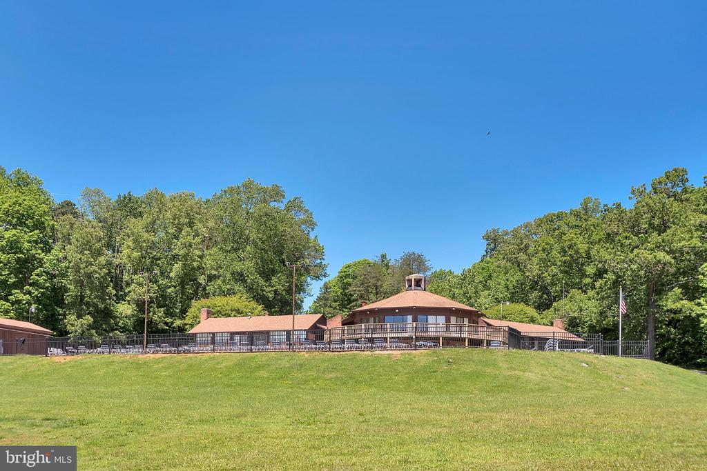 Club complex overlook - 11709 WILDERNESS PARK DR, SPOTSYLVANIA