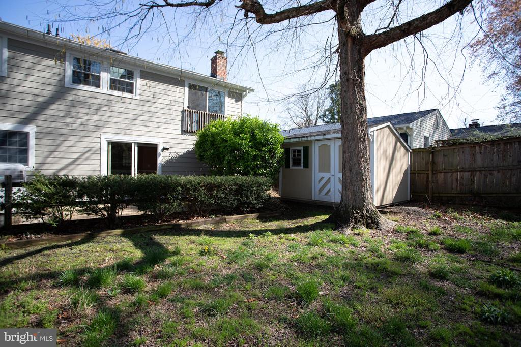 Back Yard - 12903 MELVILLE LN, FAIRFAX
