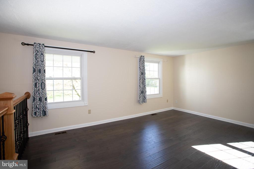 Living Room - 12903 MELVILLE LN, FAIRFAX