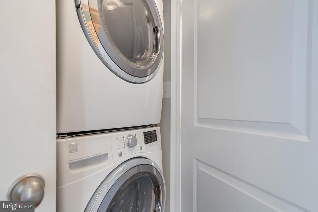 Laundry On The 2nd Level - 2192 HALF MOON PL NE, WASHINGTON