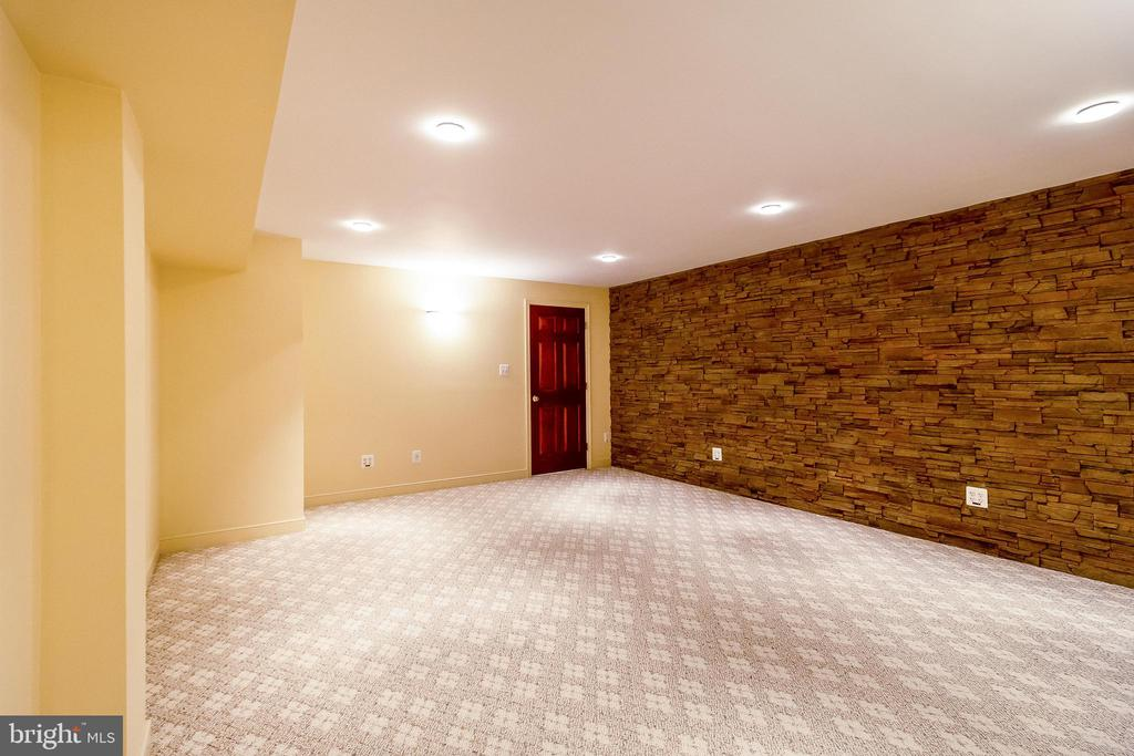 Insulated Music or Media Room - 1508 JUDD CT, HERNDON